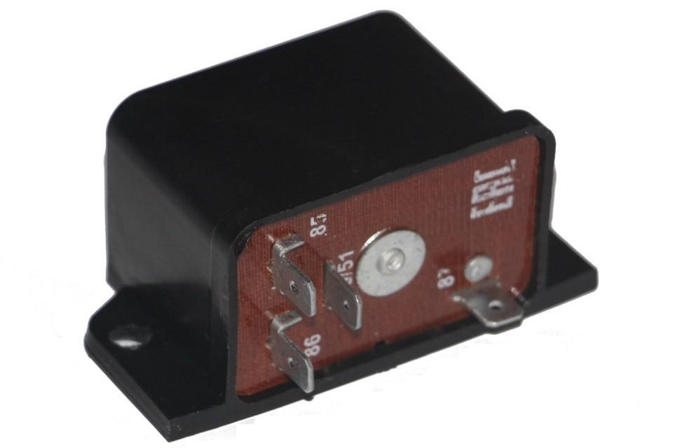 Реле включения фар и электродвигателя системы охлаждения 821.3777